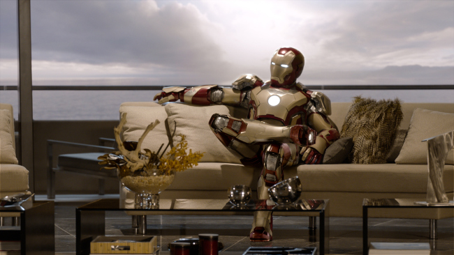 IRON MAN 3 Gwyneth Paltrow Robert Downey Jr.